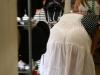 Kobiety w prześwitujących ubraniach