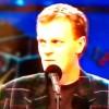 """Donald Tusk śpiewa kolędę """"Wśród nocnej ciszy"""" w Szansie na sukces z 1996 r."""