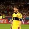 Iker Casillas prosi sędziego o zakończenie meczu i litość dla pokonanych Włochów [YOUTUBE]