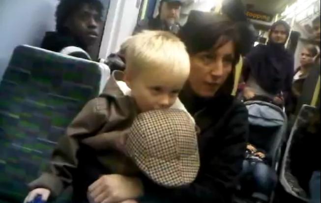 Rasistka w brytyjskim metrze
