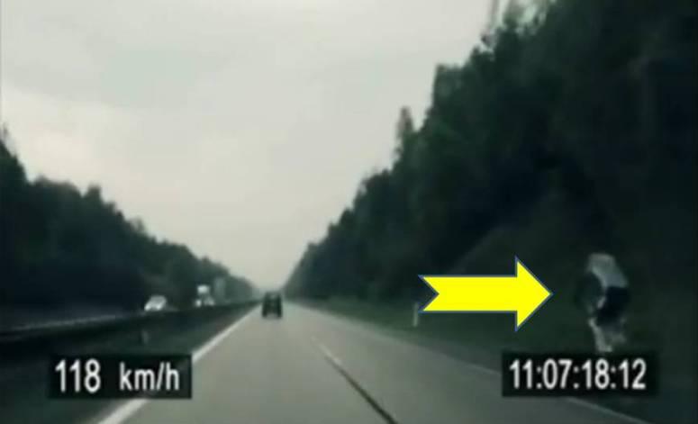Czeski rowerzysta jedzie z prędkością 100 km/h