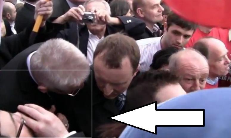 Co popija Zbigniew Ziobro podczas demonstracji w obronie TV Trwam?