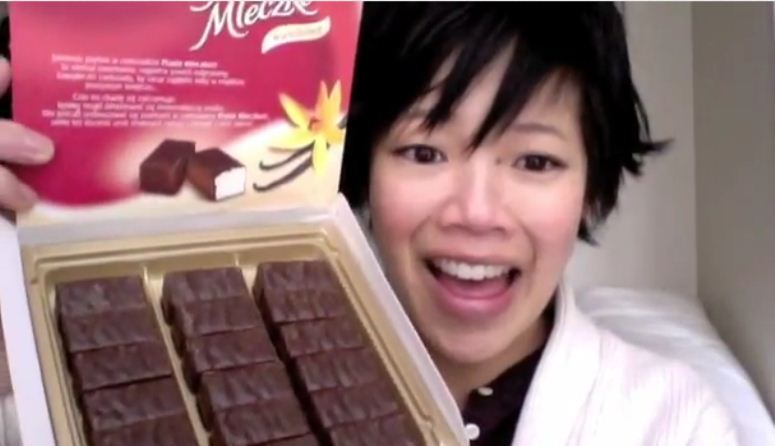 Japońska blogerka testuje polskie słodycze