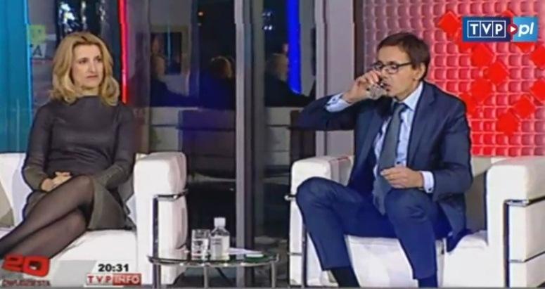 Minister Budzanowski pije płyn do szczelinowania
