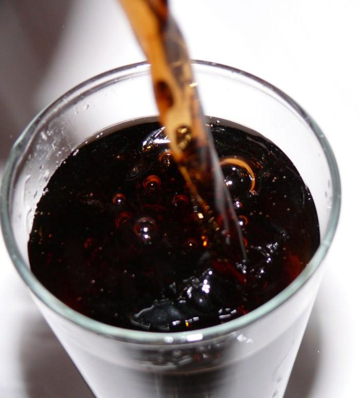 25-latek pije 8 litrów coli dziennie