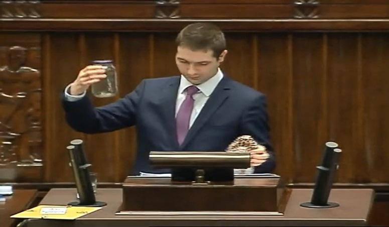 Poseł Jaki chciał wręczyć pluskwę ministrowi Nowakowi