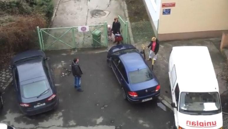 Wrocławianka nie potrafiła wyjechać spod bramy żłobka