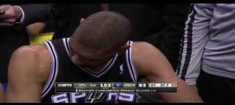 Koszykarz odkrywa, że ma ręce!