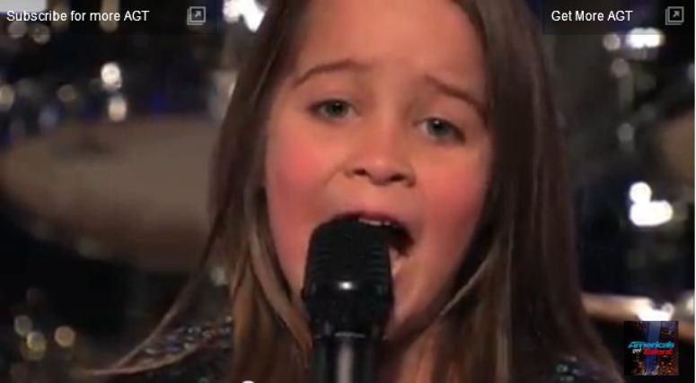 """6 letnia dziewczynka śpiewa """"Zombi skin"""" w programie """"Mam talent"""". Zdziwicie się ..."""