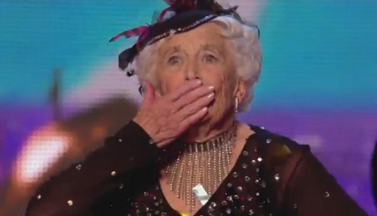 """80-letnia Paddy tańczy salsę w brytyjskim """"Mam talent"""""""